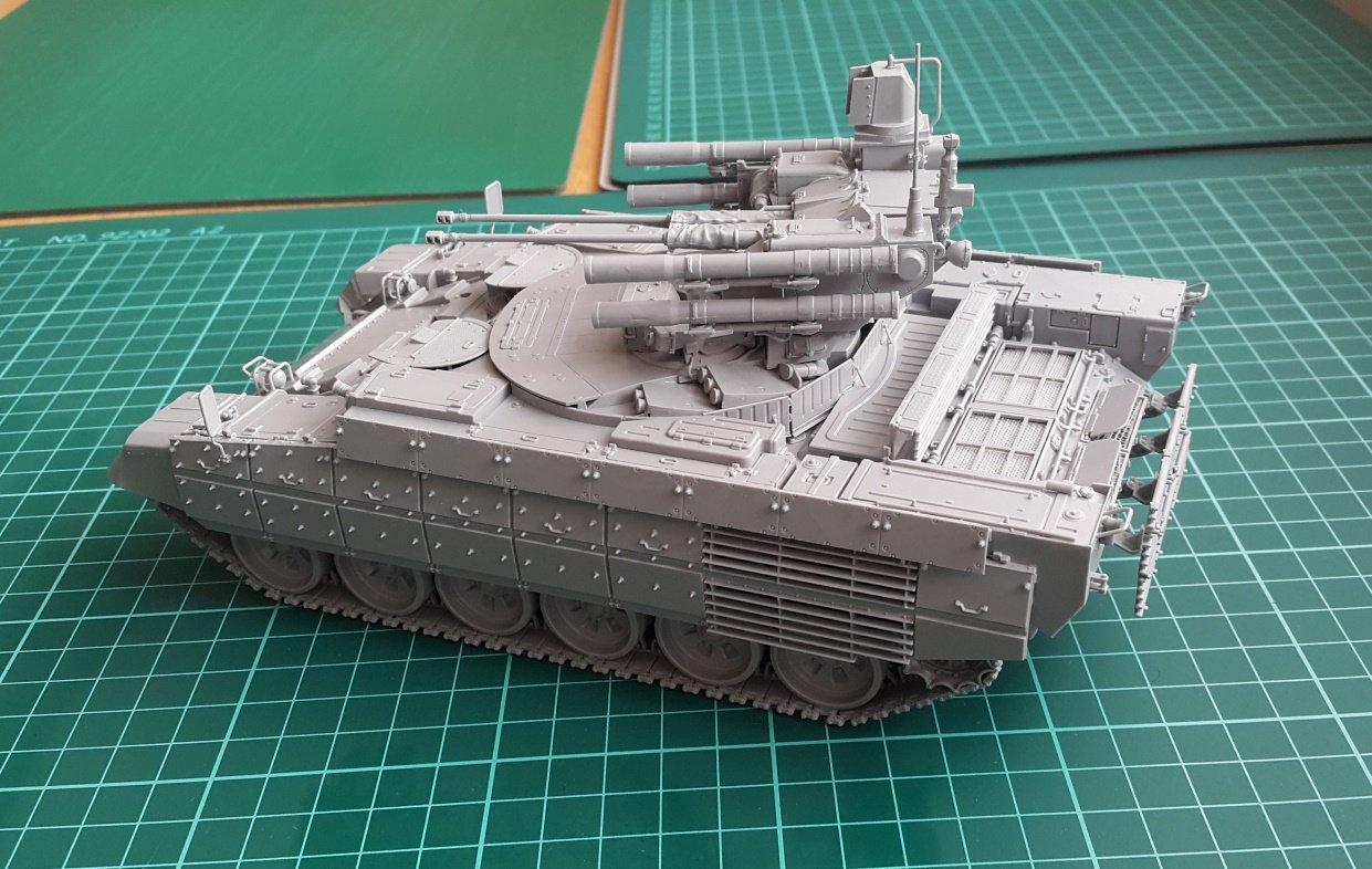 Building The   Zvezda Bmpt Terminater Tank