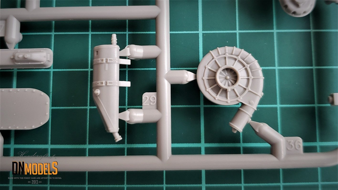 Do-335 Anteater from Zoukei-Mura A12 grey sprues review by dn models masks for scale models sprues