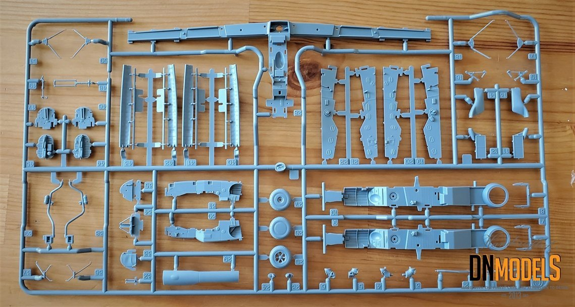 Tamiya P-38 Lightning #61120 review unboxing DN Models masks for scale models sprue 2